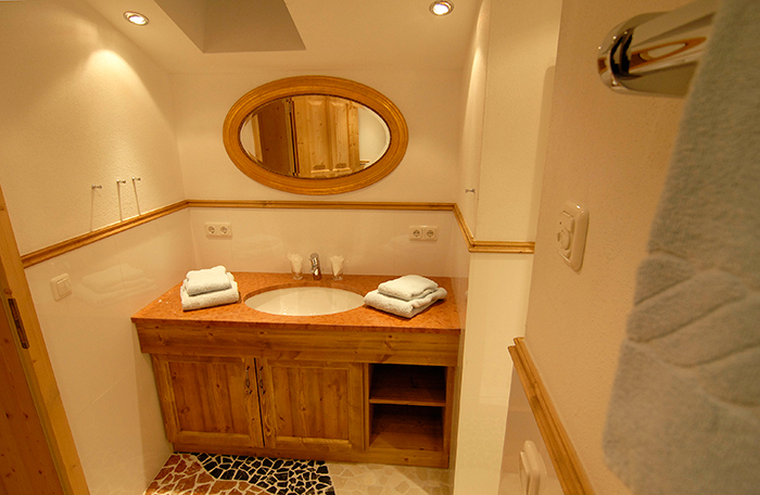 Lechner am See Alm Suite Badezimmer
