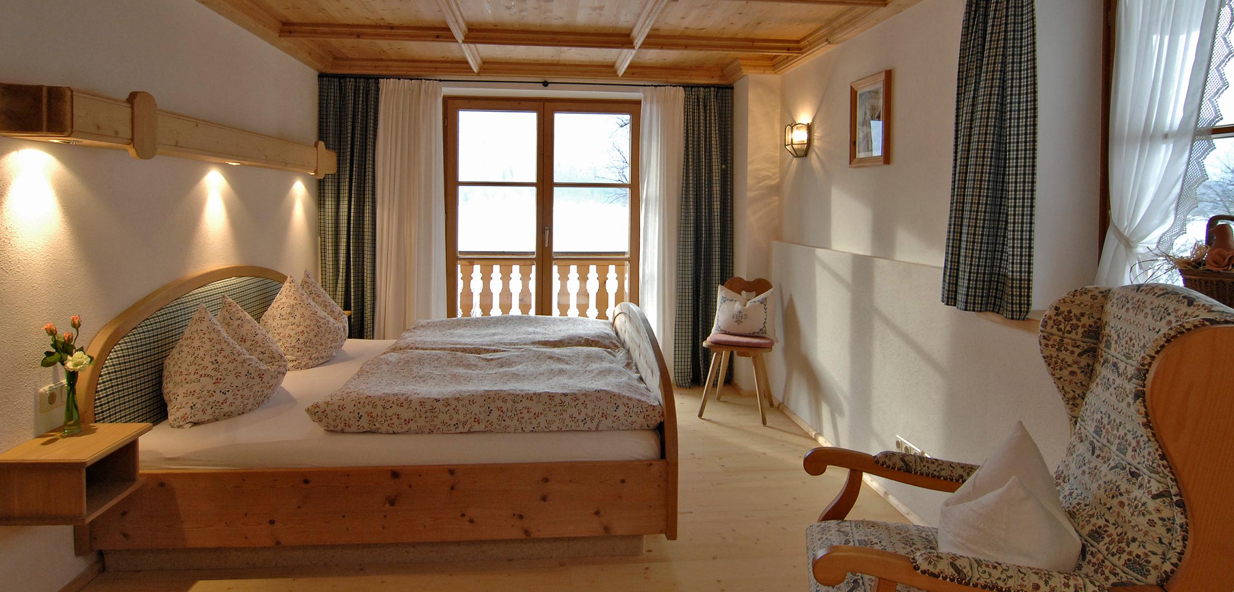 Lechner am See Suite Schlierseestube Schlafzimmer